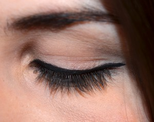 BENEFIT THEY'RE REAL! PUSH UP LINER  OHNE MASCARA