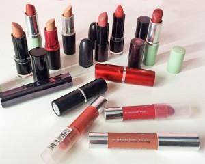 Eine kleine Auswahl meiner (gefühlten) 300 Lippenstifte