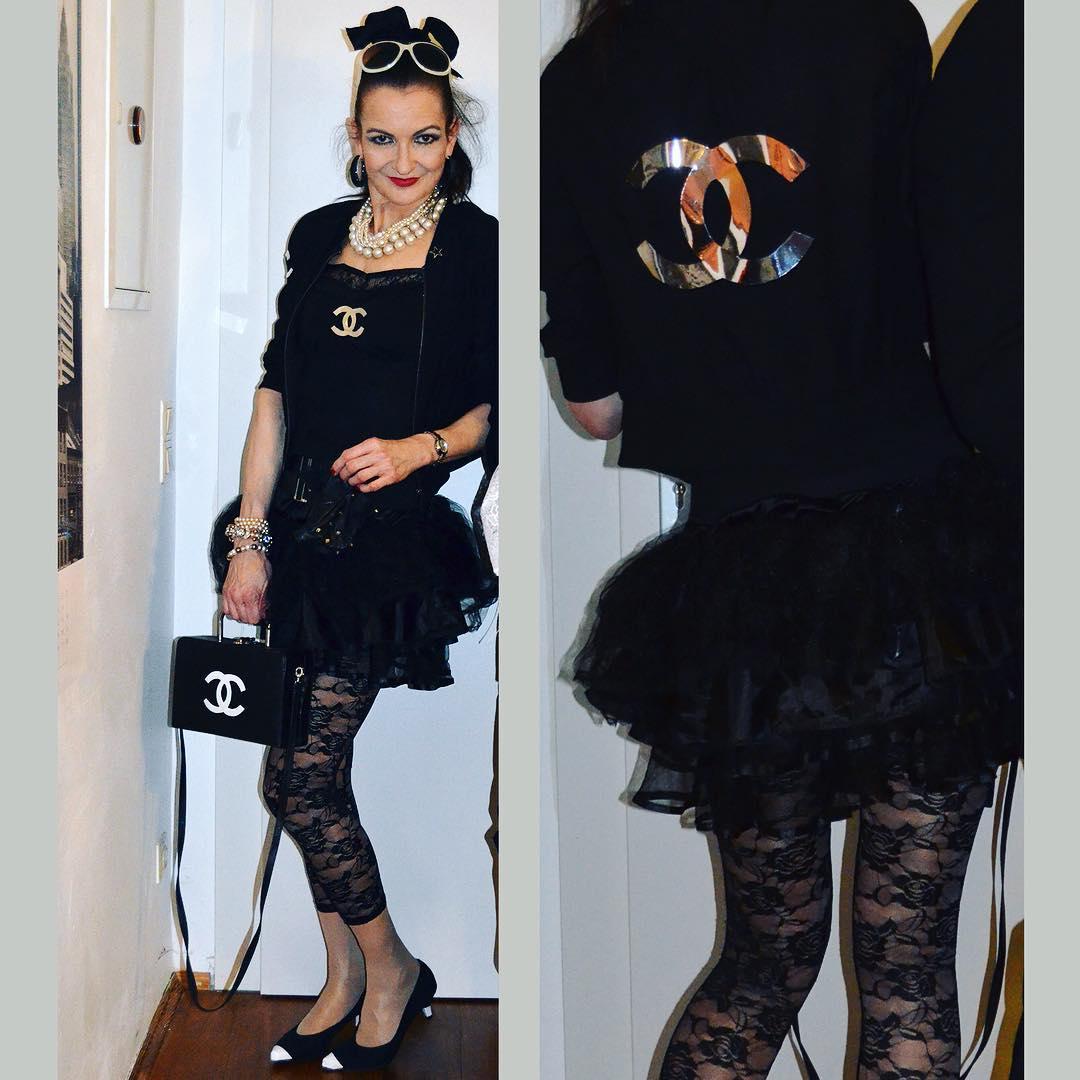Es grüßt die Muse von Karl Lagerfeld anno 1987. Helau aus Mainz! #chanel #lagerfeld #karllagerfeld #model #muse #fashionista #fashionblogger #fastnacht #fasching #karneval #helau #alaaf