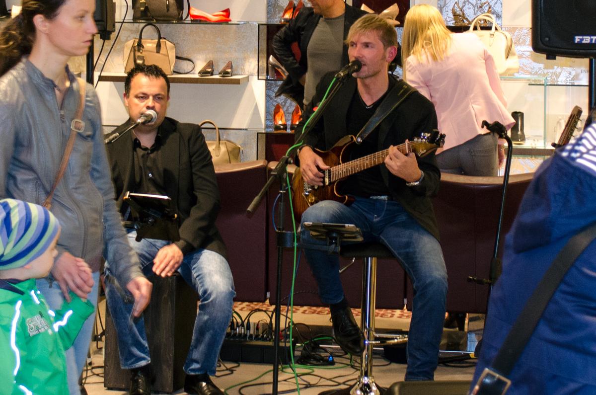 Görtz Card After Work Shopping Event in Frankfurt | Das Musik-Duo