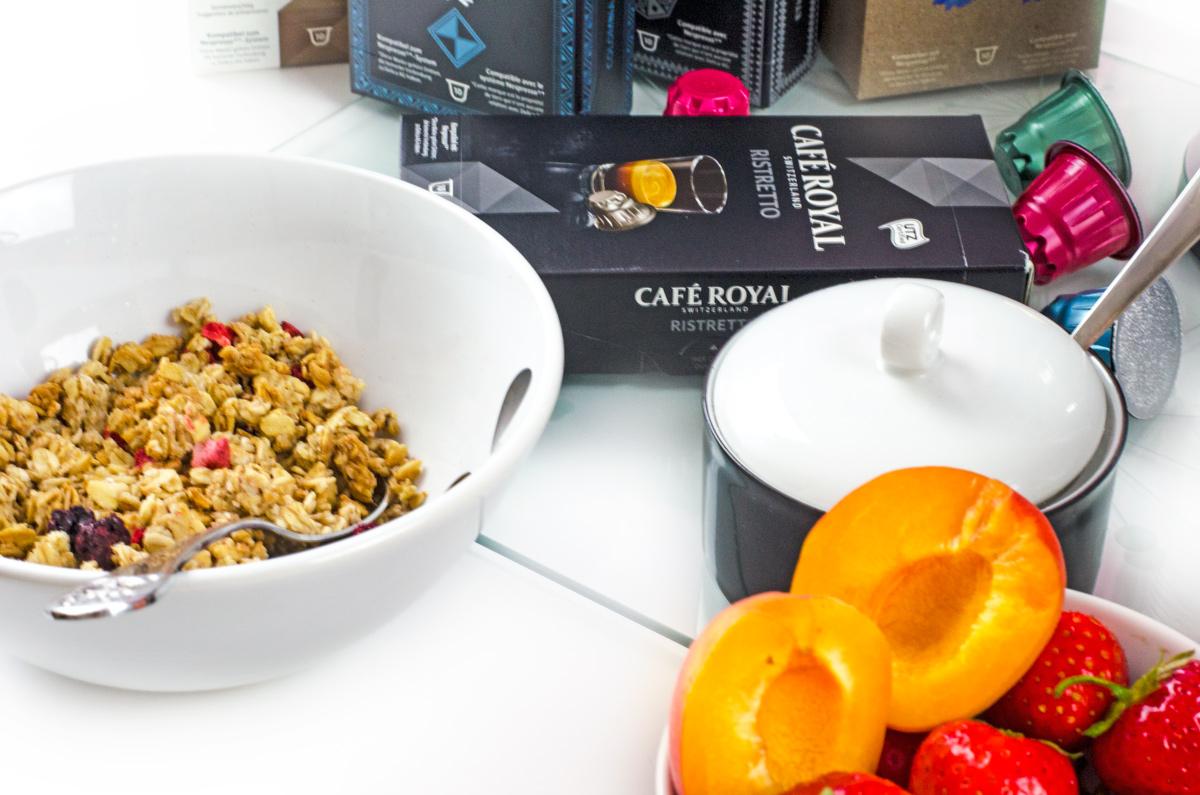 Frühstück mit Ristretto Kaffee als Cappuccino von Cafe Royal
