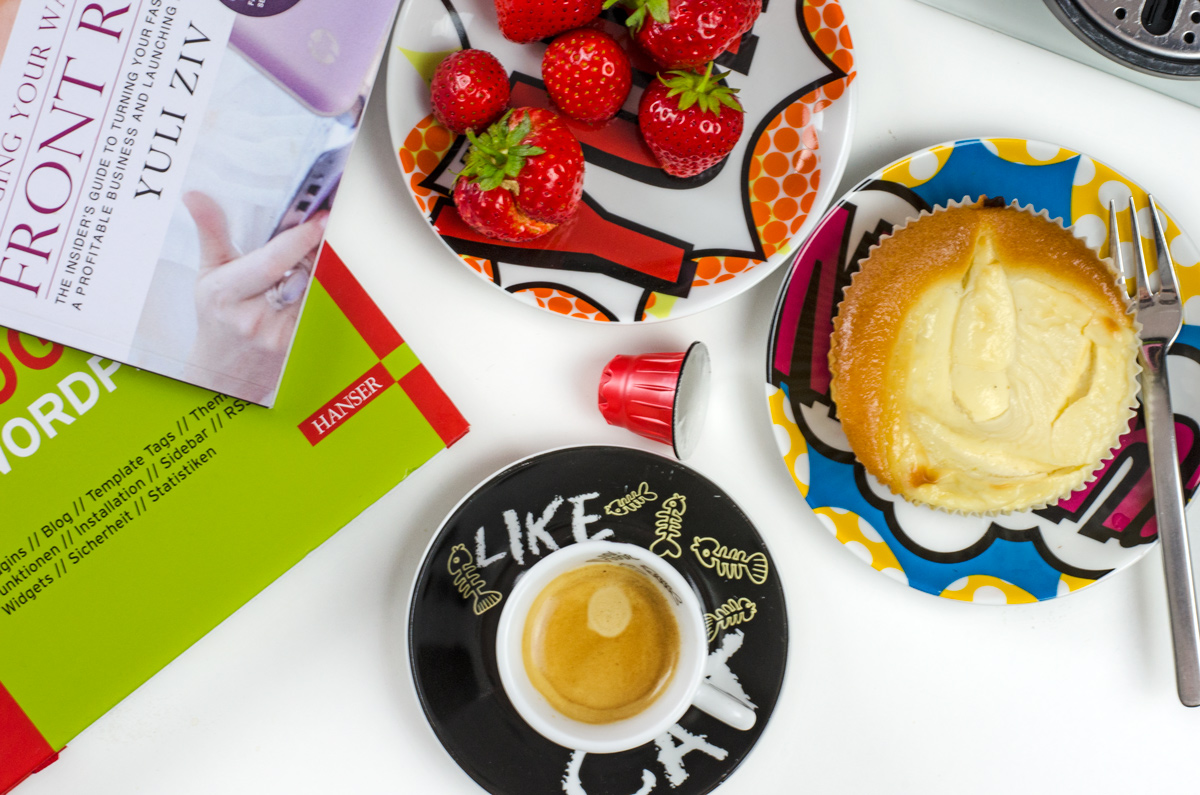 Kaffee und Kuchen am Nachmittag am liebsten mit einem kleinen Espresso, hier von Cafe Royal