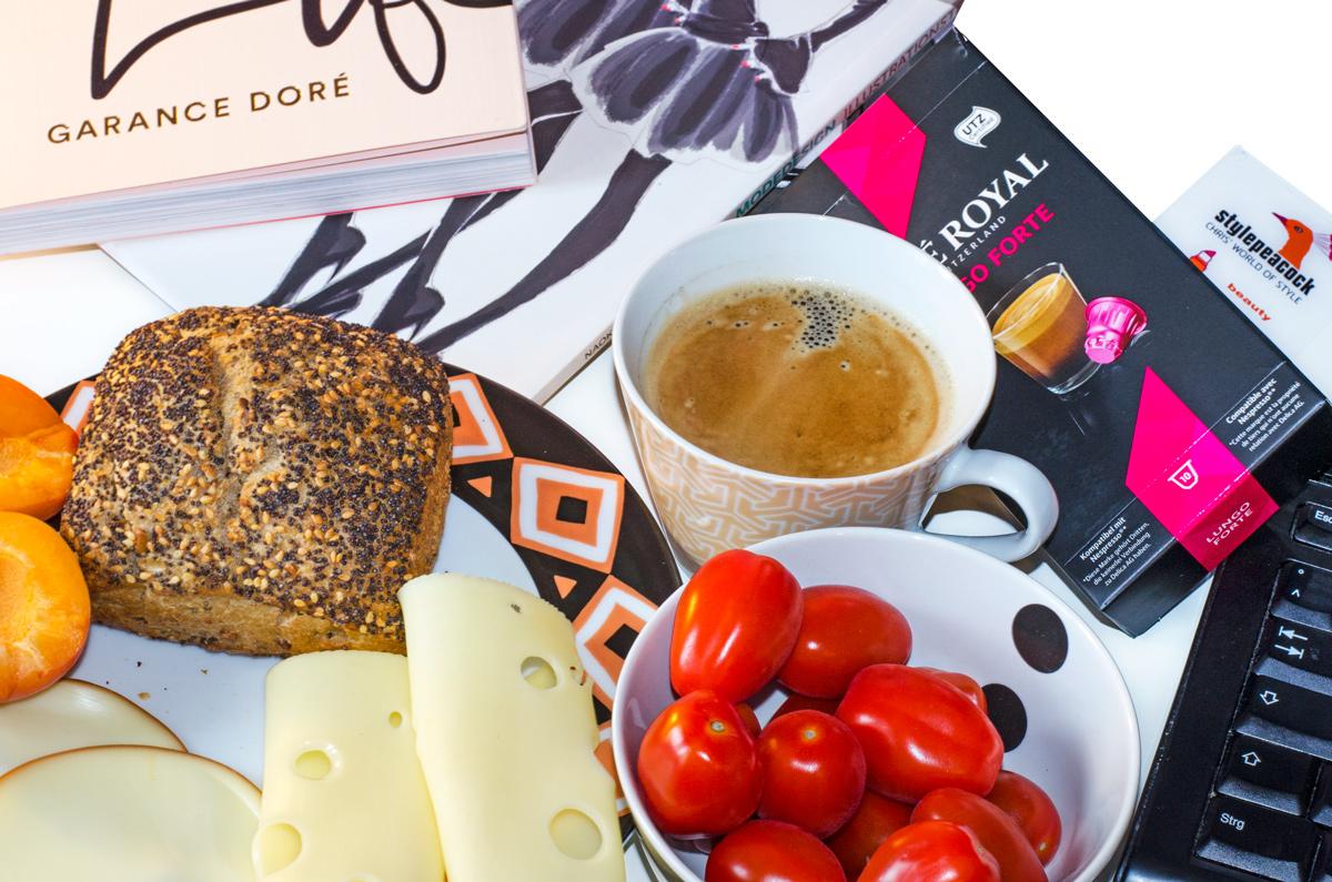 Kaffee zum Mittagessen / Lunchtime mit Cafe Royal