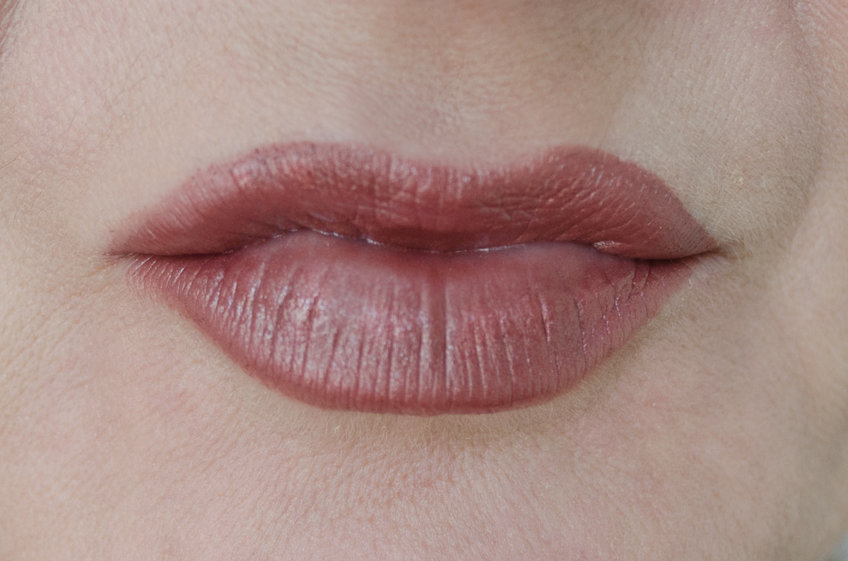 Urban Decay Vice Lipstick | Backdoor Metallized | LIP SWATCH