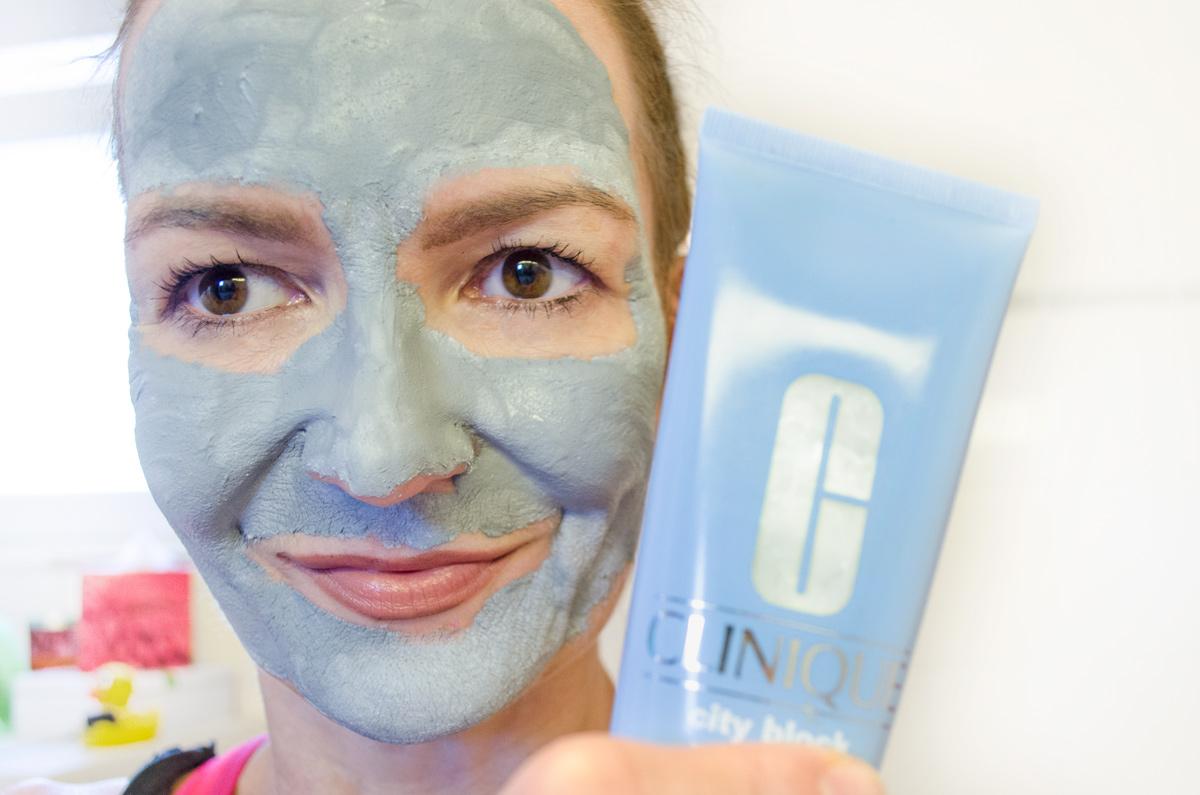 CLINIQUE  CITY BLOCK PURIFYING CHARCOAL MASK & SCRUB   REVIEW  Masken-Selfie