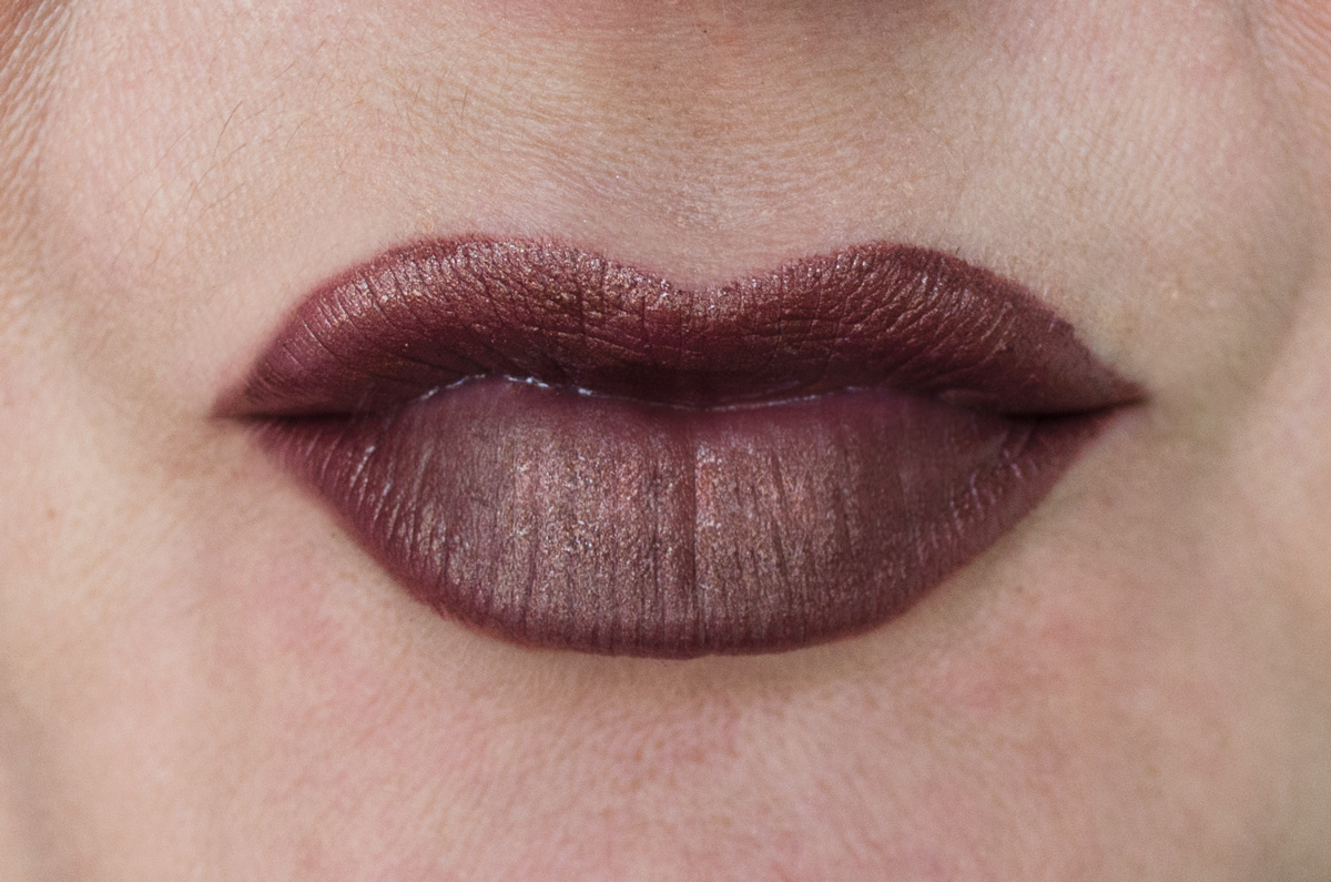 Urban Decay Vice Lipstick | Conspiracy Metallized | LIP SWATCH