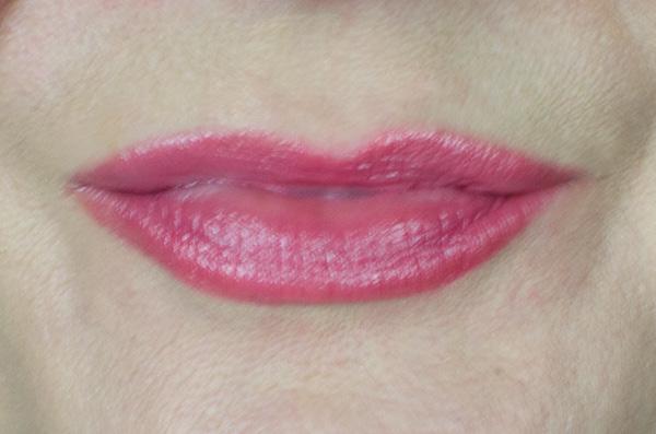 Clinique Crayola Collaboration | Chubby Sticks & Chubbies Intense | Wild Strwaberry Swatch Lips