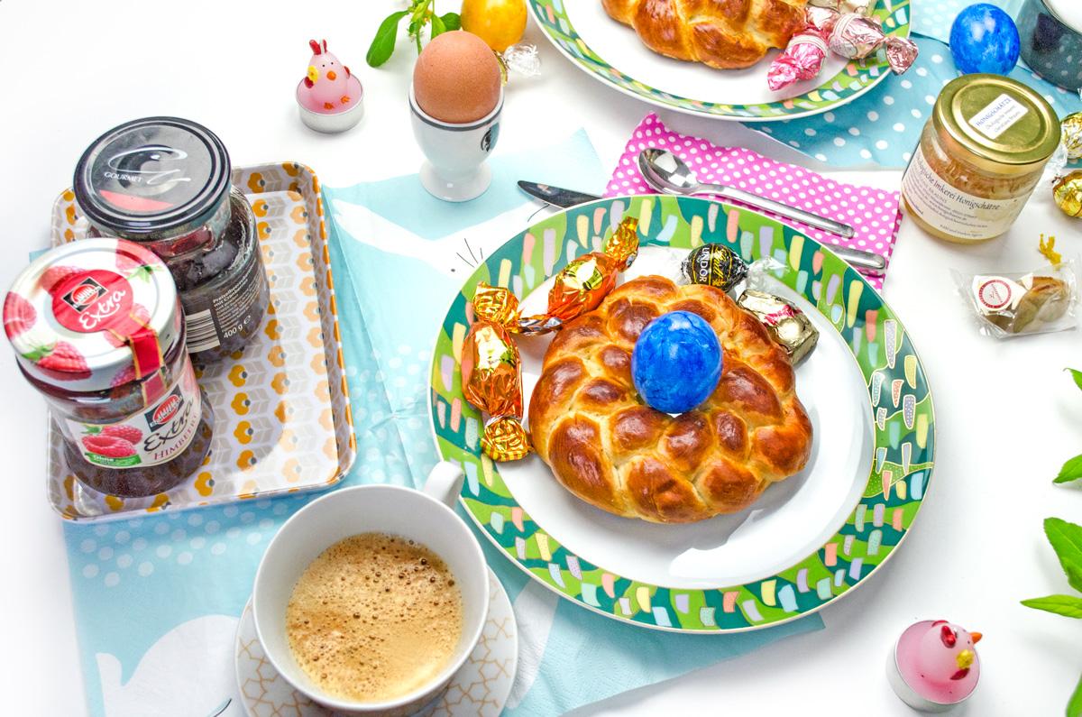Oster-Traditionen   Omas Rezept für Oster Hefe-Kränzchen