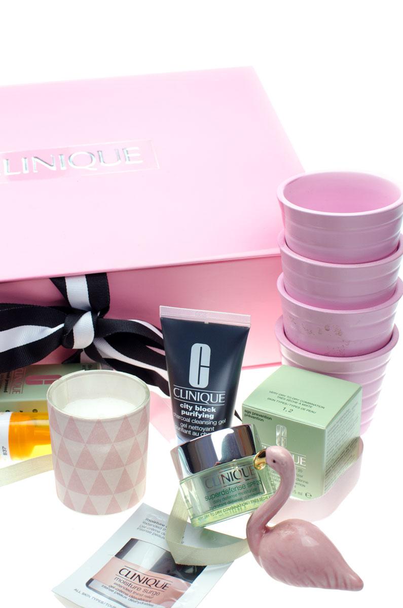 Clinique Bestellung mit Geschenken & Goodies