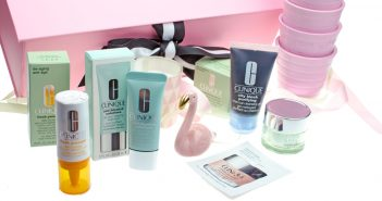 Clinique Bestellung mit Geschenken & Goodies