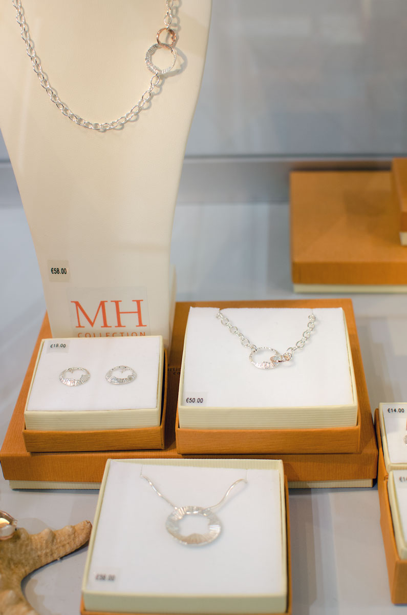 [anzeige]Martina Hamilton Jewelry at the Showcase