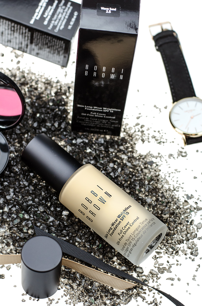 Bobbi Brown SKIN LONG-WEAR WEIGHTLESS FOUNDATION SPF 15
