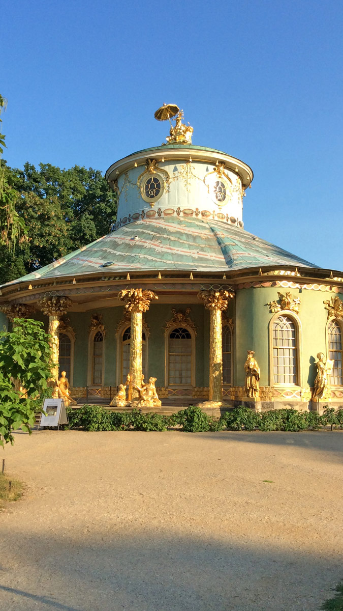 Joggen im Park Sanssouci am frühen Morgen | Chinesischer Tempel