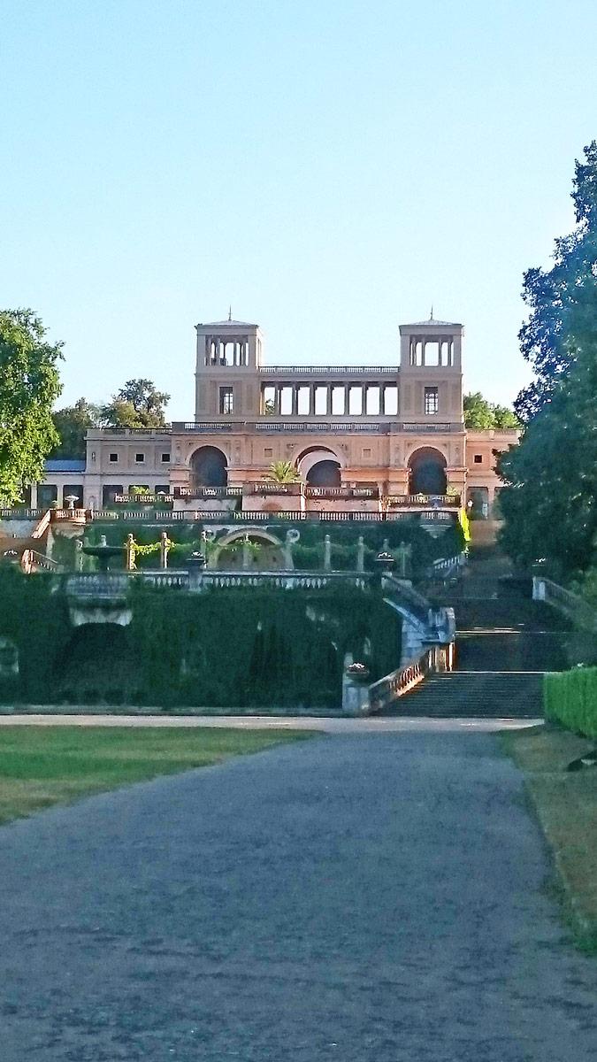 Joggen im Park Sanssouci am frühen Morgen | Orangerie