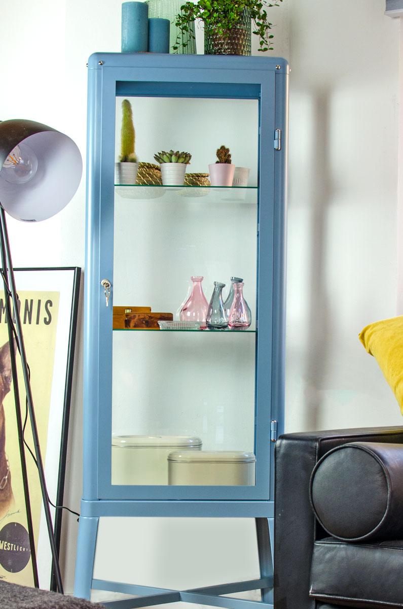 Meine Puppenmaisonette in Potsdam | Wohnzimmer | Die Fabrikör Vitrine [beinhaltet werbung & affiliate links]