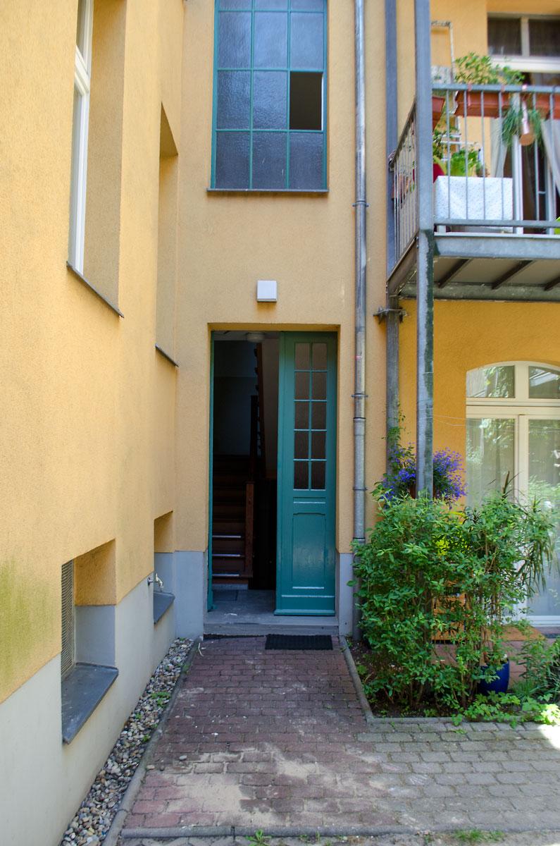 Jugendstil-Altbau-Traum in Potsdam | Eingang zum Hinterhaus | Meine Puppenmaisonette [beinhaltet werbung & affiliate links]