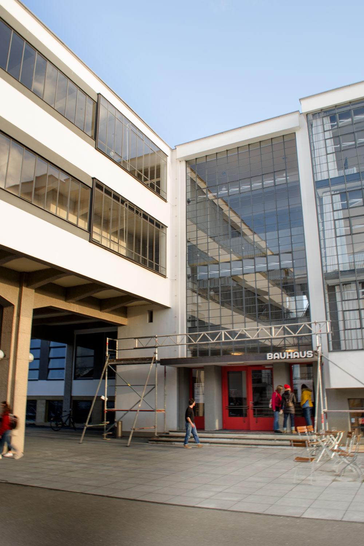 100 Jahre BAUHAUS | Die Meisterhäuser und das Bauhaus in Dessau | Architektur, Interior & Möbel Design der Moderne