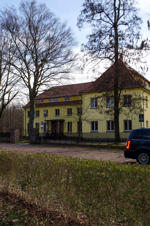 Die Jugendherberge im Bauhasu-Stil in Dessau | 100 Jahre BAUHAUS | Die Meisterhäuser und das Bauhaus in Dessau | Architektur, Interior & Möbel Design der Moderne