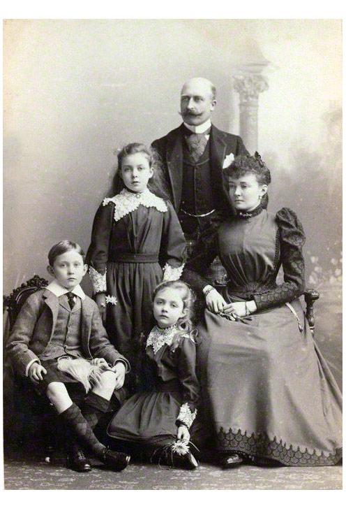 Preußische Prinzessin und Duchess of Connaught - Luise Margarete von Preußen mit Töchtern und Ehemann, dem Arthur, 1. Duke of Connaught and Strathearn