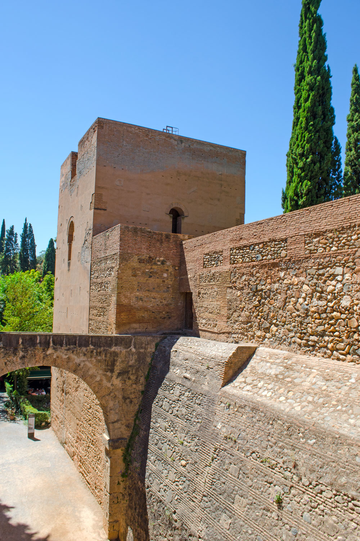 [unbezahlte werbung]La Alhambra - Was man für einen Besuch wissen muss | Alcazaba