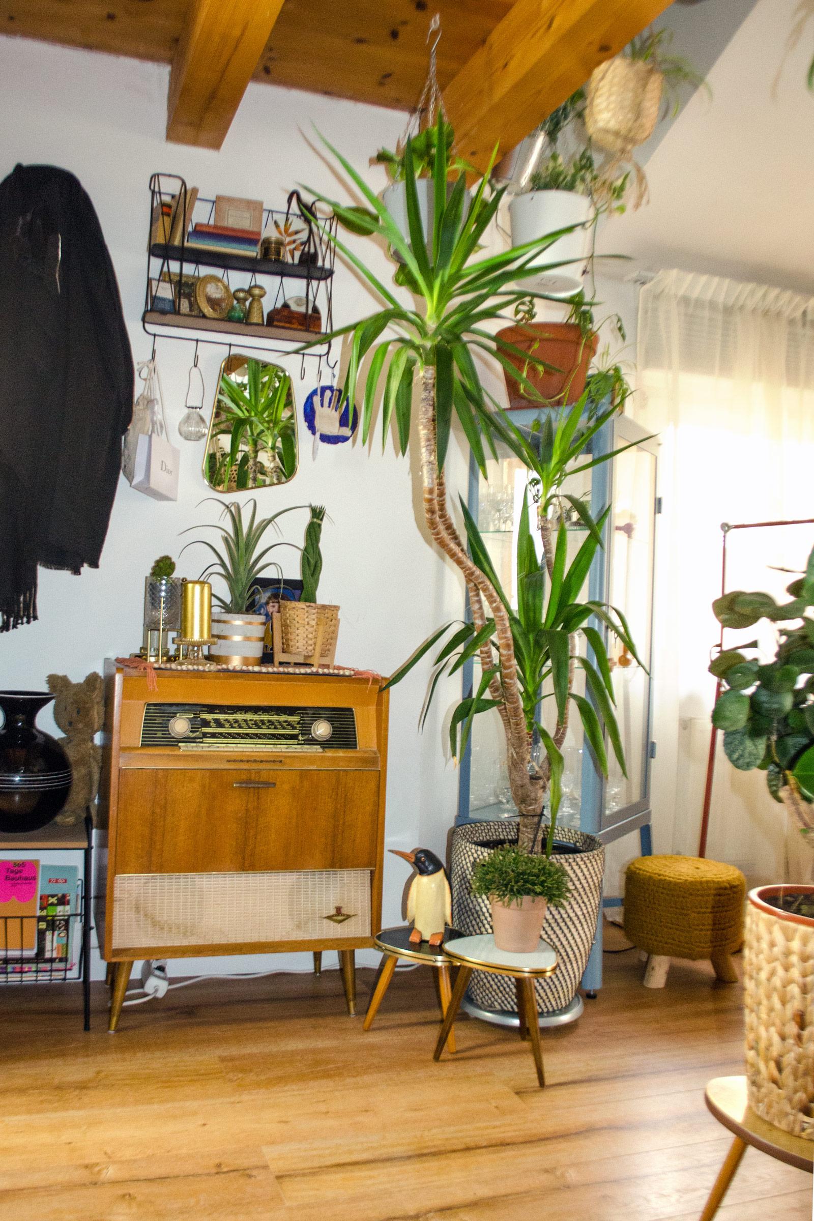 Alte Vintage Möbel statt neuer Einrichtung: Mein altes Radiogram